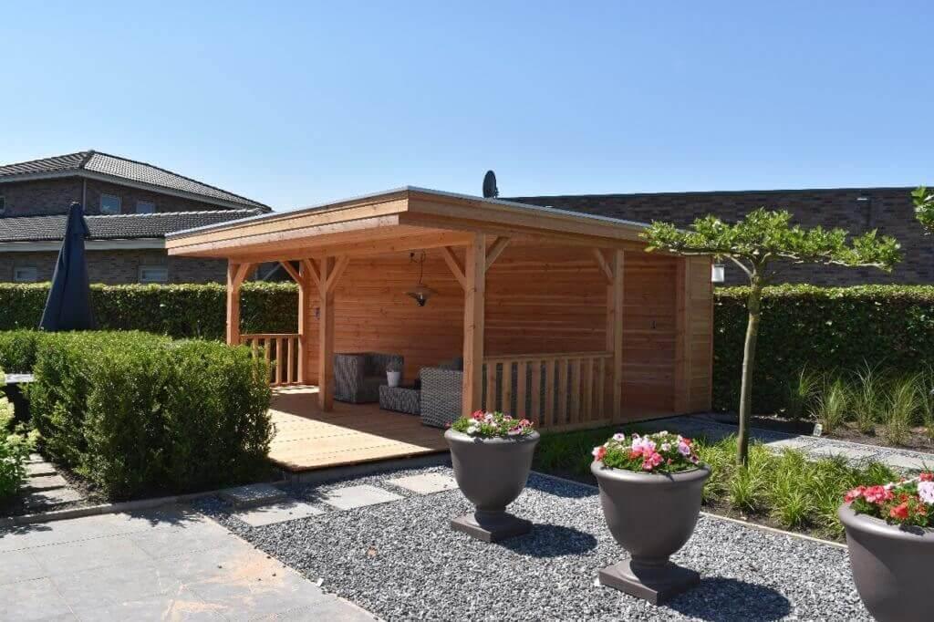 houten tuinhuis met plat dak